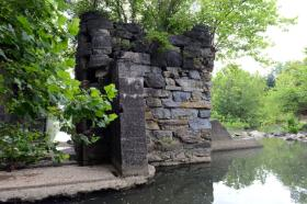 Remnants of Reid's Dam and Lock