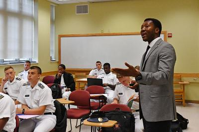 Dr. Dee Mornah teaches a class on entrepreneurship in Scott Shipp Hall on Sept. 19.